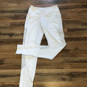Worn once. Victoria Sport 7/8 Leggings. Size S.